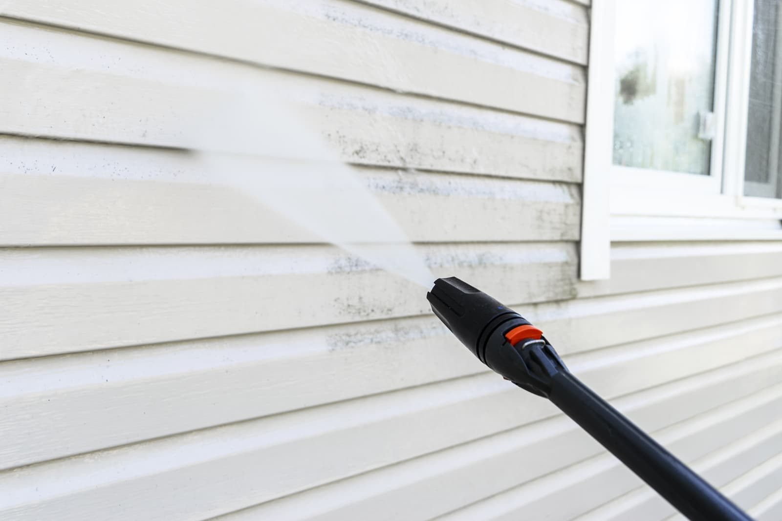 Residential Powerwashing - Why it's Best to Hire Professionals