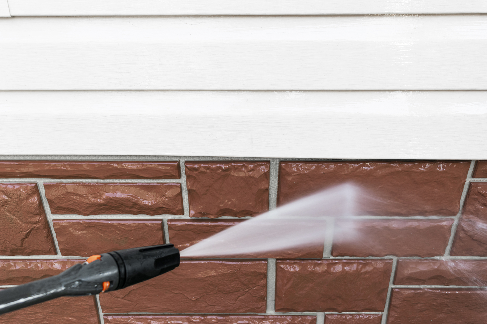 Why Home Power Washing Services is a Spring Cleaning Must